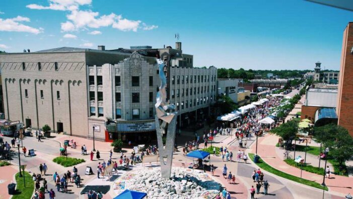 Lakeshore Art Festival offers colorful collaboration for local residents