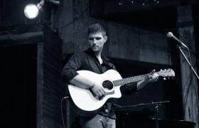 Irish Music Star to host local radio show